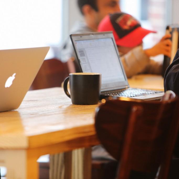 laptops-on-desks-1800x1200